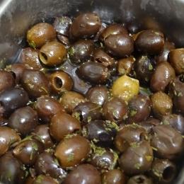Vrac - Olives noires denoyautées dans l'huile